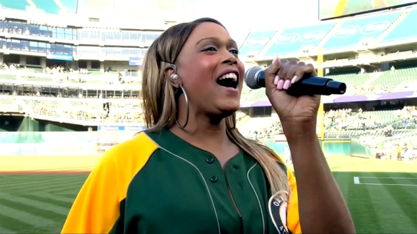 Breanne Sinclaire sings the Star-Soangled Banner