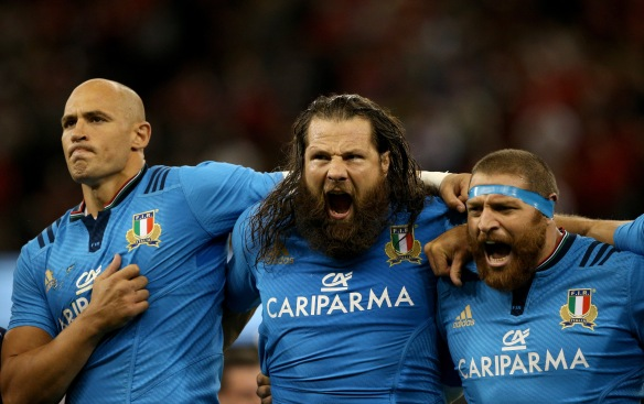 Sergio Parisse, Martin Castrogiovanni and Matias Aguero screaming Italy's national anthem before the playing Wales (stolen from Stu Forster/Getty Images!)